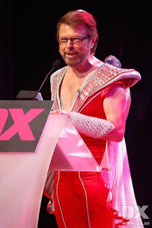 "Bjorn geheel in ""style"" tijdens ""Gaygalan"" in Cirkus      in Stockholm. ""ABBA bedankt alle ""Gays for there      support over the years"" (foto Christian Hagward)"