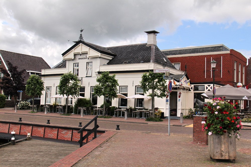 Cafe/restaurant Spoorzicht in Warffum 8 juli 2015